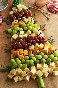 Christmas Tree | Grape and Cheese Board