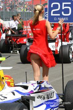 f1 grid girls | Thread: ITT: Formula 1 Grid Girls (Pics). Was it a good or bad start for this driver?
