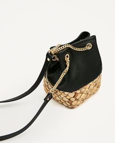Image 6 de SAC BANDOULIÈRE EN MATIÈRES ASSORTIES de Zara Zara Bags, Online Collections, Zara United States, Bucket Bag, Handbags, Bts, Fashion, Women's Handbags, Trends