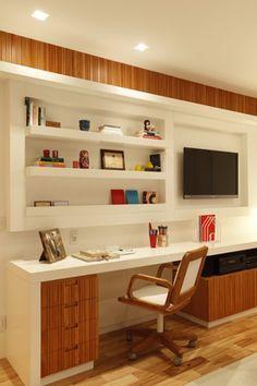 A utilização de texturas amadeiradas como detalhes para quebrar o branco geram conforto visual de maneira leve e natural proporcionando ao usuário maior relaxamento e sensação de limpeza do ambiente.