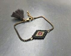 Diy Jewelry, Beaded Jewelry, Jewelry Design, Jewelry Making, Beaded Bracelets, Tassel Necklace, Pendant Necklace, Diy Schmuck, Bead Art