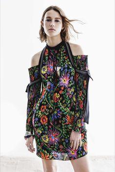 Sfilata 3.1 Phillip Lim New York - Pre-collezioni Primavera Estate 2017 - Vogue