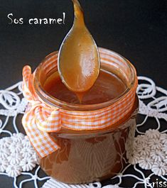 Arome si culori : Cosulete cu nuca si gem Mousse, Cooking Bread, Biscuits, Caramel, Food And Drink, Nutella, Desserts, Cheesecake, Pies