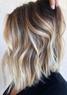 Wanna sport some kind of unique hair colors? No need to worry at all, just see here we have made a collection of cream blonde and balayage hair colors combinations for every woman to show off in year 2018. If you are serious right now to change up your looks then you must see visit his link for amazing cream blonde hair colors in 2018.