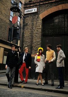 """kahuna68:  """"isabelcostasixties:  """"Swinging London.  Winter 1965 Men Fashion In London, on a sidewalk in Carnaby Street, four male models in jacket or pullover, with narrow pants, presenting the masculine Mod fashion of the winter of 1965, with Cathy... 60s Fashion Trends, Mod Fashion, 1960s Fashion, London Fashion, Vintage Fashion, Sporty Fashion, Cathy Mcgowan, London Winter, Swinging London"""
