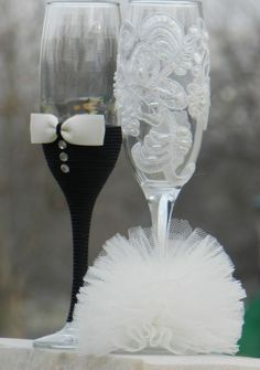 Lace toasting flutes by AccessoriesbyNicolle on Etsy, $35.00