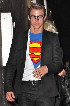 Make Superman Clark Kent costume yourself maskerix.de Make Superman Clark Kent costume yourself Costume idea for carnival, Halloween & carnival Teen Boy Halloween Costume, Teen Boy Costumes, Superman Costumes, Celebrity Halloween Costumes, Easy Costumes, Super Hero Costumes, Diy Halloween, Simple Mens Halloween Costumes, Costumes For Men