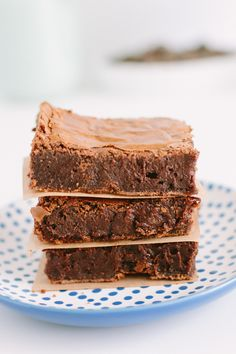 Senhoras e senhores: Vos apresento o melhor brownie do mundo. Ele é massudinho, úmido e com muito chocolate. Já…