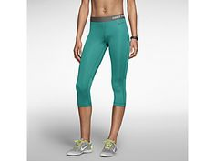 Nike Pro Core Compression Women's Capris Like this Aubrey? Flat seams to avoid chafing. Nike Pro Women, Sport Fashion, Fitness Fashion, Gym Fashion, Site Nike, Running Wear, Nike Store, Gym Style, Sport Style