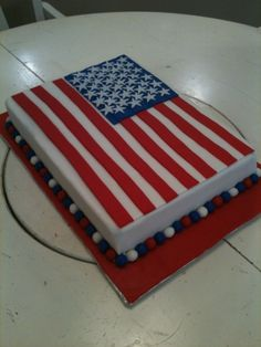 American Flag Cake Chocolate cake with mousse filling covered in fondant with fondant decorations. Thanks for all the inspiration in the. Fourth Of July Cakes, 4th Of July Party, Cupcakes, Cupcake Cakes, American Flag Cake, American Party, Mom Cake, Fondant Decorations, Holiday Cakes