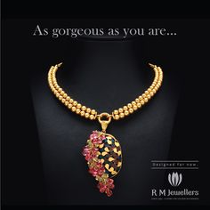 An elegant gold necklace with a touch of glamor...