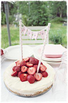ripaus tunnelmaa: pyöräilemisen iloa... Raspberry, Sweets, Fruit, Cooking, Party, Food, Kitchen, Gummi Candy, Candy