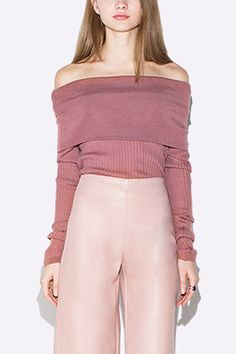 With this knitteds jumper, you will remember that simplicity is the highest form of comfort. It comes with long sleeves and off shoulder design. Team this jumper with your leather palazzo pants and heels for a fashion street look.