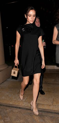 Victoria Beckham with LV Vernis Bleeker in Beige, 2010. www.fashions4lv.at.nr   Fashion stylewith louis vuitton only $129.8 very very very cheap!!!!