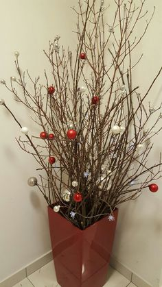 All Things Christmas, Christmas Crafts, Christmas Decorations, Diy Arts And Crafts, Diy Crafts, Christmas Wreaths For Front Door, Centre Pieces, Deck The Halls, Advent