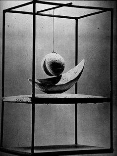 Giacometti, Suspended Ball (1930)