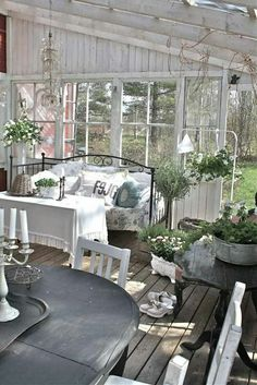 An outdoorsy living room... love it!