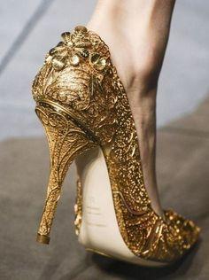 eee20eda552c Dolce   Gabbana gold gilded heels Gorgeous Heels
