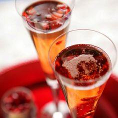 Make it: Pear, Whiskey & Ginger Cocktail (via @BrightNest)