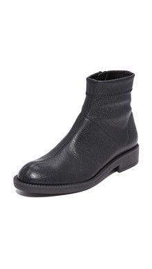 05d23c62e931 Coclico Shoes Tik Platform Booties