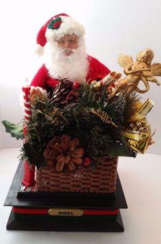 Holiday Creations Santa Claus Light Up Musical Christmas Tree Box Musical 1993