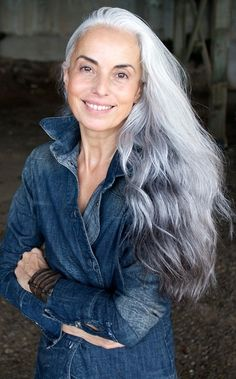 """model, photographer and artist Yasmina Rossi: """".my secrets to age gracefully. I wish my hair would turn pretty like that. Long Gray Hair, Grey Wig, Short Hair, Yasmina Rossi, Peinados Pin Up, Older Women Hairstyles, Ageless Beauty, Going Gray, Curly Wigs"""