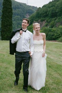 #real #wedding #bruiloft #bruidspaar #bride #groom #vintage   Trouwen op Schloss Saareck in Mettlach   ThePerfectWedding.nl
