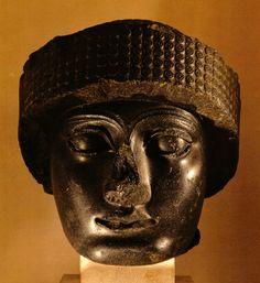 Cabeça com turbante de Gudéia, Século XXII a.C., Museu do Louvre, Paris.