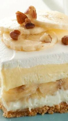 "Banana Split ""Cake"" ~ The recipe requires just 15 minutes of prep, so they're easy to make too."