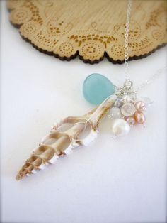 Beachy jewelry - I imagine this paired with a long flowy maxi dress as I stroll along the beach at sunset