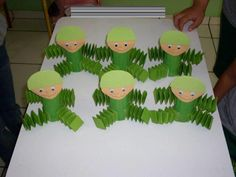 Kids Crafts, Holiday Crafts For Kids, Preschool Crafts, Diy And Crafts, Military Party, Caterpillar Craft, Fondant Decorations, Art N Craft, Holidays With Kids