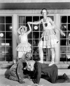 creepy old black and white pics | 77 Creepy Old Photographs (Pics) creepy scary weird old photo photos ...