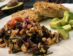 Spicy Tempeh Skillet with Red Cabbage, Black Beans, and Sweet Potatoes Tofu Recipes, Whole Food Recipes, Cooking Recipes, Cooking Tips, Diet Recipes, Vegetarian Cooking Classes, Healthy Cooking, Broccoli Slaw, Vegan Kitchen