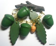 VINTAGE BROOCH Celluloid BRANCH w/Green Wood ACORNS & LEAVES Leaf DANGLES