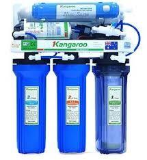 Reverse Osmosis (RO) Water Purefier Kangaroo mampu mengubah air kran di rumah menjadi air siap minum yang sangat aman untuk kesehatan keluarga, balita bahkan ibu hamil. Melalui penyematan tekhnologi Reverse Osmosis dengan tingkat 5 hingga 9 lapisan penyaringan dapat digunakan sesuai kebutuhan.