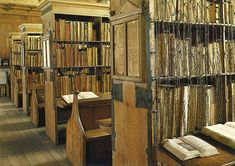 Mappa Mundi – The Ultimate Medieval Map (Hereford, England) Library Shelves, Library Books, Bookshelves, Library Ideas, Hogwarts Library, Library Design, Grammar School, Hereford Cathedral, Medieval Books