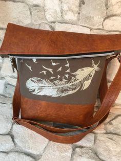 Schultertaschen - FoldOver Tasche, Feder - ein Designerstück von Kleine-Wollbude bei DaWanda