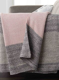 Exclusively from Simons Maison     Block stripes are always trendy. Contemporary and stylized, these pretty urban grey and pastel pink shades will add a touch of softness and purity to your decor.    Ultra soft cotton knit   Washable with removable cover and a hidden zip on the edging   45 x 45 cm