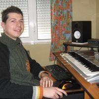 """Александър Костов: """"Композитор ли си, трябва да пишеш всичко - от песни до филмова музика"""""""