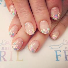 Speckle gel nails