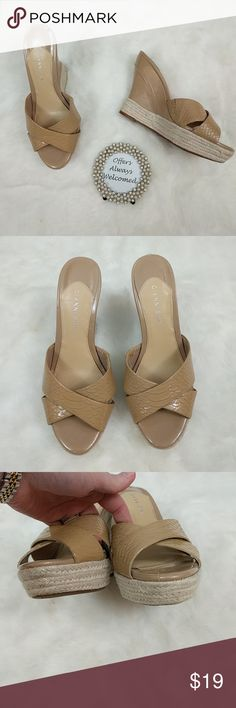 """Gianni Bini Nude Wedges Sexy nude snakeskin wedges with jute rope detail. Shoes have been lightly worn and do show small wear to nude heel part including a small piece peeling from left heel. Shoes have 5"""" heel including 1"""" platform. Gianni Bini Shoes Wedges"""