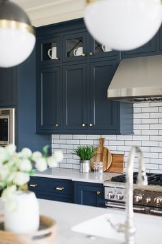 Navy Kitchen with small white subway tile and brass hardware all sources on., Blue Navy Kitchen with small white subway tile and brass hardware all sources on. Large Kitchen Cabinets, Kitchen Cabinet Colors, Kitchen Tiles, New Kitchen, Upper Cabinets, Kitchen Black, Kitchen Small, Navy Cabinets, Shaker Cabinets