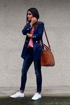 Style: Striped shirt, blue blazer, brown big bag, jeans and sneakers. Little black coconut