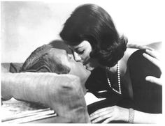 Rocky Papasano (Steve McQueen) and Angie Rossini (Natalie Wood).