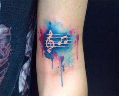 Tatuagem aquarelada: os desenhos mais lindos que você vai ver hoje