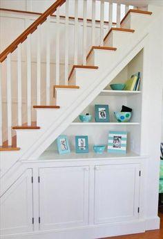 Ideas de espacios bajo la escalera