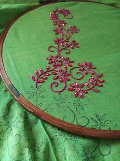 Twirls embroidery on salwar suit with cut beads Embroidery On Kurtis, Kurti Embroidery Design, Embroidery Neck Designs, Floral Embroidery Patterns, Hand Embroidery Flowers, Embroidery On Clothes, Hand Work Embroidery, Creative Embroidery, Hand Embroidery Stitches