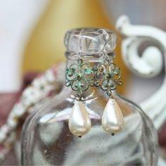 indie pearl earrings