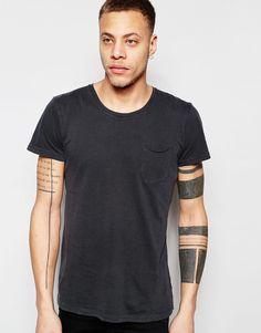Imagen 1 de Camiseta con bolsillo delantero de Solid