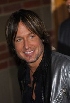 Photo of the Day! - Page 142 - Keith Urban Community Forum. How do they get better and better? Country Music Artists, Country Singers, Urban Life, Keith Urban, Nicole Kidman, American Idol, Celebs, Celebrities, The Ranch